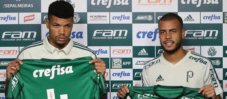 fe8661547cb89 Palmeiras apresenta reforços para o sistema defensivo e dupla vê grande  disputa por vaga entre titulares Fabio Menotti Ag Palmeiras