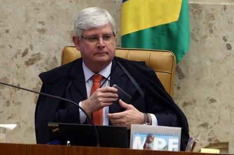 Rodrigo Janot apontou desvios de R$ 5,6 bilhões na Petrobras e na Transpetro e pede  perda de mandatos dos senadores