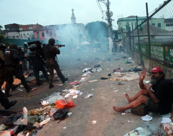 Polícia faz megaoperação na Cracolândia, em São Paulo