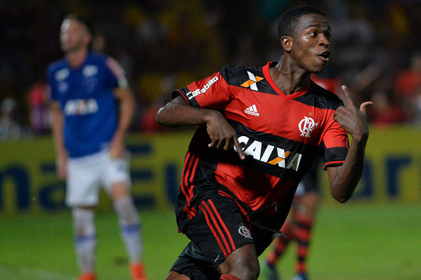 752f59d6424a4 Joia do Flamengo entra na lista das maiores transações do futebol ...