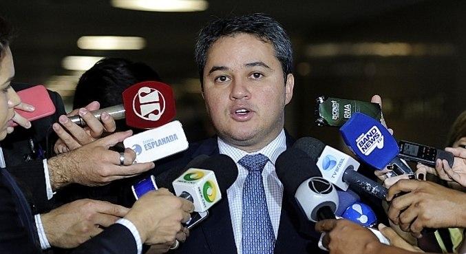 O relatório do deputado Efraim Filho (DEM-PB) faz outras alterações