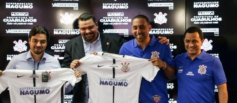 Corinthians apresenta Serginho como jogador do time profissional de vôlei 6c073b6d69547