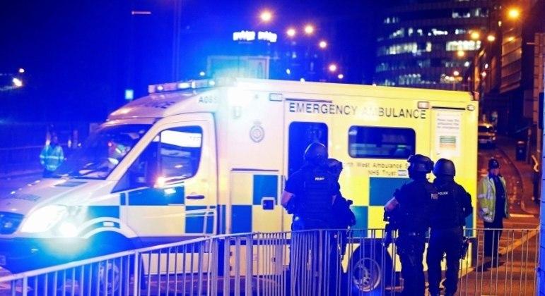 Ataque de homem bomba matou 22 pessoas durante um show de Ariana Grande em 2017, em Manchester
