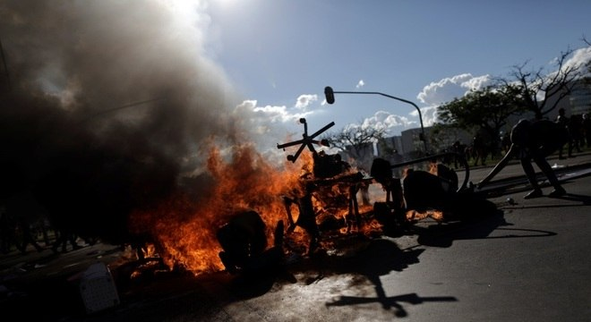 Resultado de imagem para tumulto em brasilia