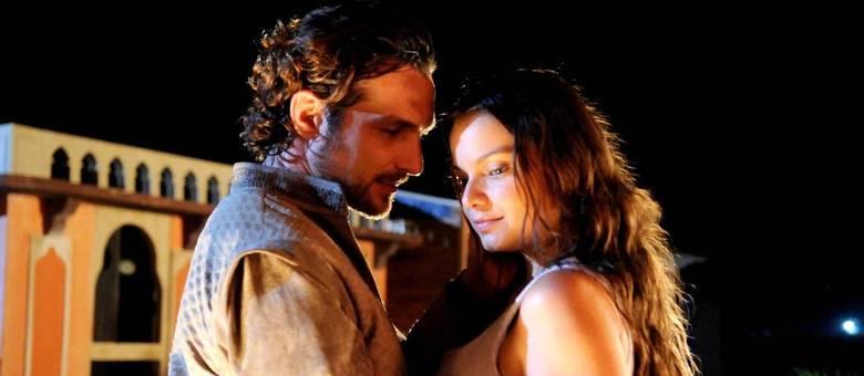 Sofrendo com a perda de Asher, Joana não resiste e aceita o pedido de Zac