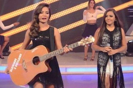As meninas brilharam durante a apresentação no palco do Hora do Faro