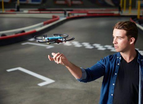 Spark: novo drone da DJI pode<br />ser controlado só com gestos