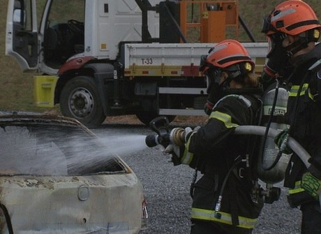 Sabrina Sato demonstra garra ao encarar treinamento de resgate