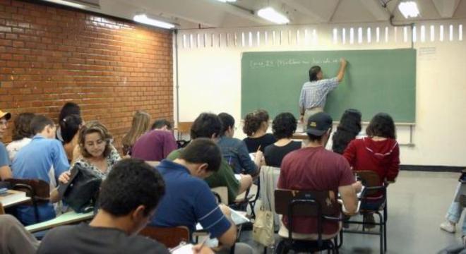 Cerca de 26% consideram o ensino médio do país como ruim ou péssimo