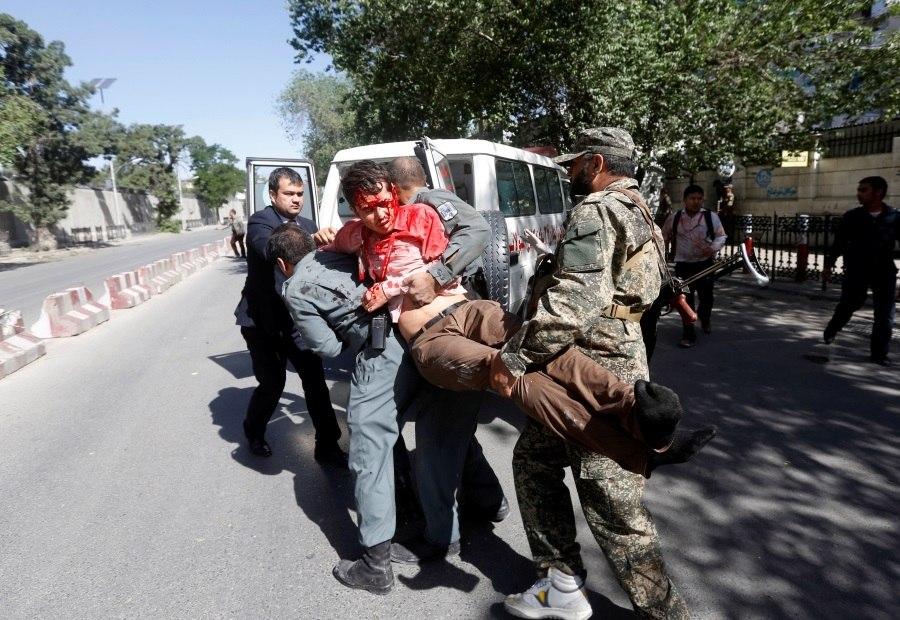Atentado em bairro de embaixadas mata 80 em Cabul e fere 350