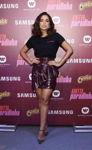 Anitta lançou o clipe de Paradinha nesta quarta-feira (31)