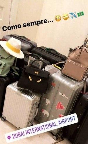 Marília Nery, mulher de Éverton Ribeiro, postou foto das bagagens rumo ao Brasil