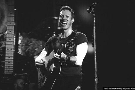 Chris Martin: cantor é jovem, mas já sofre com zumbidos