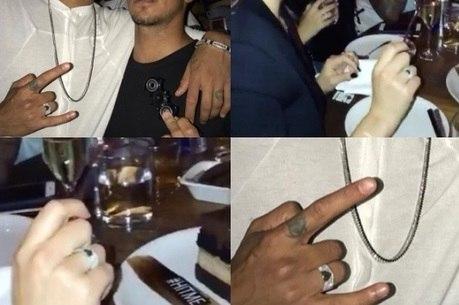 Neymar e Bruna Marquezine foram flagrados com anéis iguais