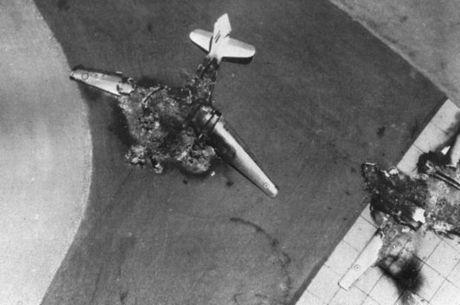 Ataque surpresa de Israel conseguiu neutralizar os aviões egípcios antes que pudessem decolar
