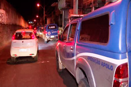 O caso ocorreu por volta das 19h50, no final de linha do bairro
