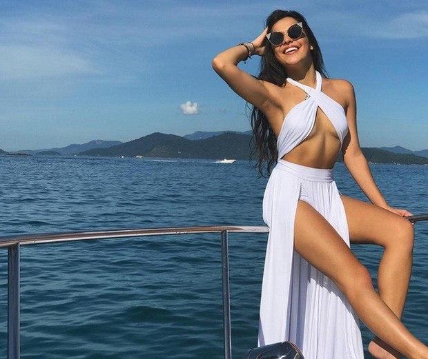 Emilly Araújo vive affair com cantor sertanejo após viagem, diz colunista