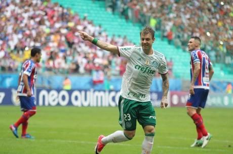 Róger Guedes marcou o primeiro gol do Verdão