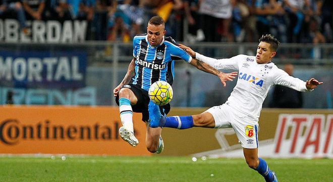 Luan e Lucas Romero são titulares e se enfrentarão no duelo desta segunda-feira (19)