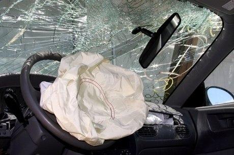 Toyota e Honda farão recall de veículos por falha em airbags