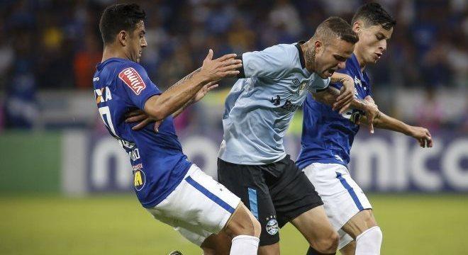 Cruzeiro e Grêmio justificaram jogo de segunda-feira à noite com bom espetáculo de futebol no Mineirão