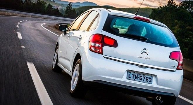 Nova versão automática tem três modos de condução e promete fazer até 13 km/l na estrada