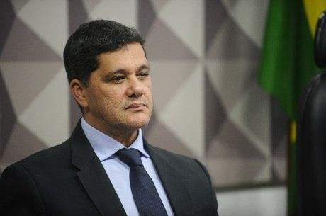 Texto do senador Ricardo Ferraço (PMDB) foi vencido na comissão