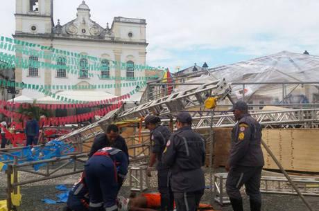 De acordo com os bombeiros, as vítimas estão conscientes