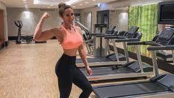 Blogueira fitness morre após sifão de chantilly explodir. Entenda o caso ()