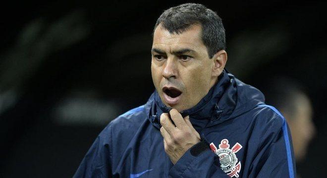 Fábio Carille reclamou dos passes errados na vitória do Corinthians por 3 a 0 sobre Bahia