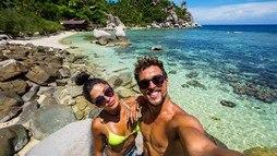 Aline Riscado e Felipe Roque exibem corpaços em viagem à Tailândia ()
