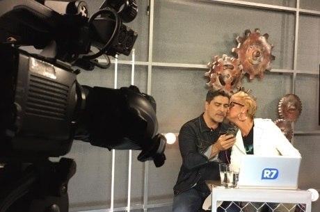 Junno Andrade e Xuxa contaram detalhes da vida a dois durante bate-papo