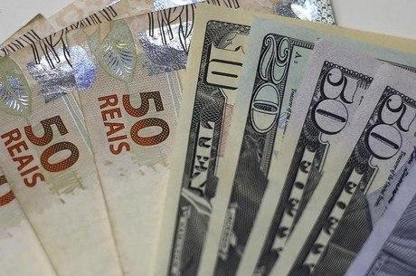Preço do dólar tem apresentado aumentos constantes