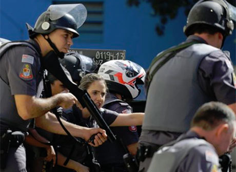 Jovem morto por PMs na favela do Moinho tinha marcas de agressões