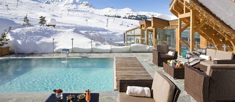 Hotel mais alto de Courchevel, Annapurna tem piscina aquecida para a neve