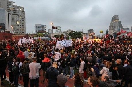 Em abril, manifestantes se reuniram no Largo da Batata, em SP