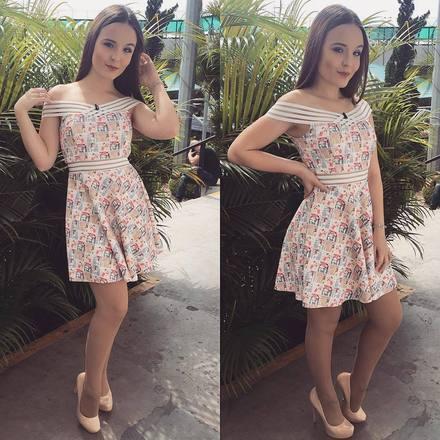O estilo de Larissa Manoela  30 looks da atriz para você se inspirar 087f6fcf97