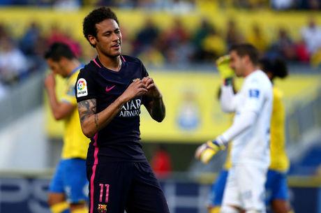 Multa rescisória deixa Neymar mais distante de transferências