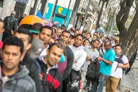Desocupação registrada em trimestre encerrado em maio é a maior para o período desde 2012, informou o IBGE
