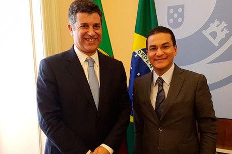 Marcos Pereira e o ministro Manuel Caldeira conversaram sobre informe da OMC que aponta o Brasil como o país que mais adotou medidas para facilitar o comércio em 2017