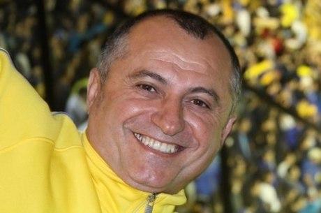 Costel Comana, que se tornou milionário explorando o transporte ferroviário, foi encontrado morto no banheiro do avião