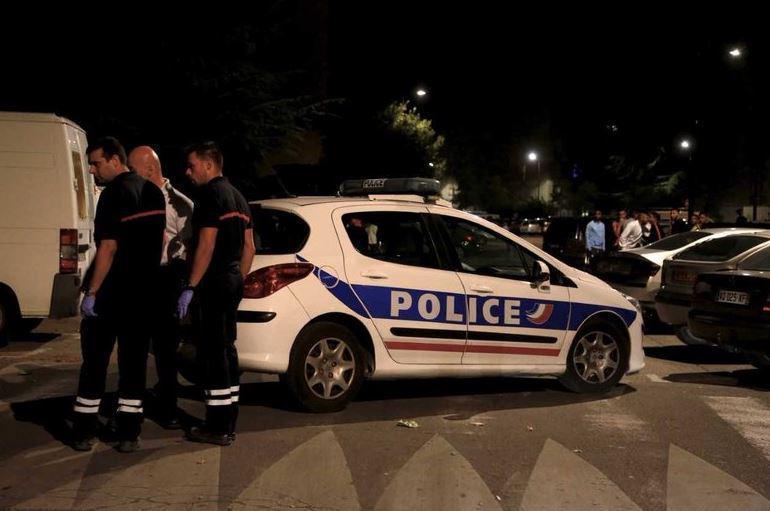 Tiroteio em mesquita francesa faz oito feridos