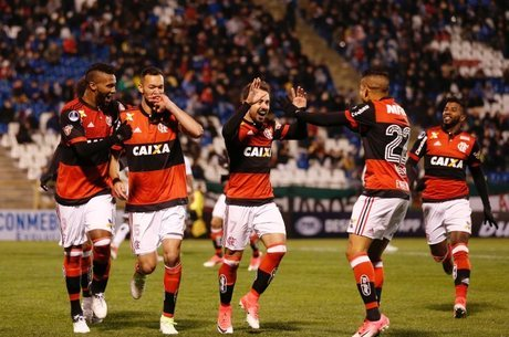 Flamengo venceu o Palestino no jogo de ida, em Santiago