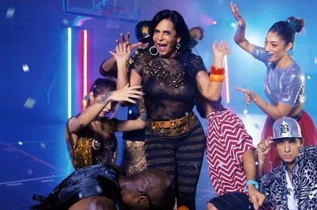 Gretchen bombou na internet com o clipe de Katy Perry
