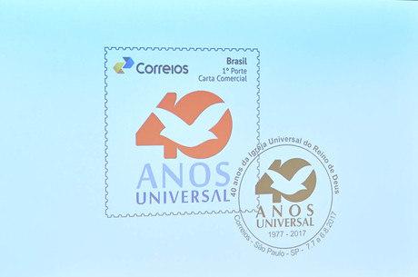 Selo comemorativo será usado por um mês na agência central dos Correios de São Paulo e depois armazenado no museu da empresa