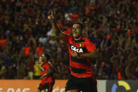 Presidente do Sport afirma que Diego Souza volta aos treinos na quarta-feira (12)