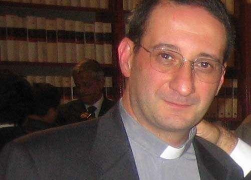 Escândalo no Vaticano. Orgia homossexual no apartamento do conselheiro do Papa