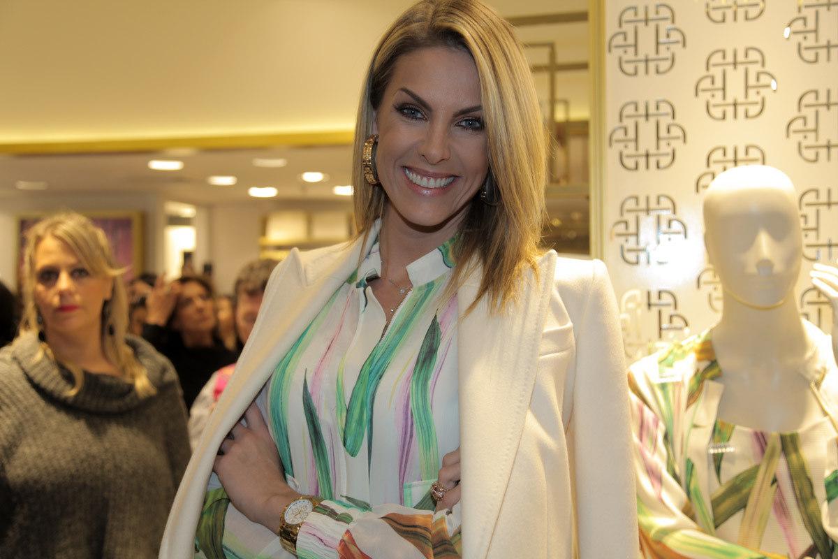 2a872003167b9 Ana Hickmann inaugura loja de sua marca em São Paulo - Fotos - R7 R7 ...