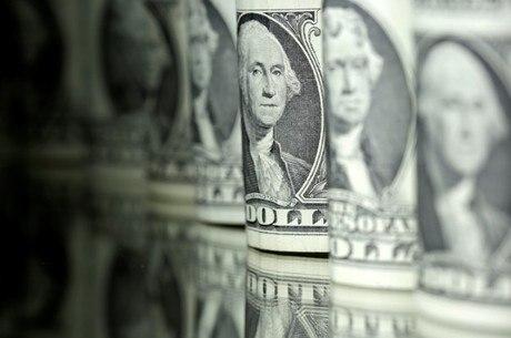 Dólar era negociado a R$ 4,21 no começo da tarde