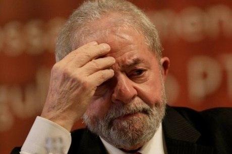 Lula foi condenado a nove anos e seis meses de prisão
